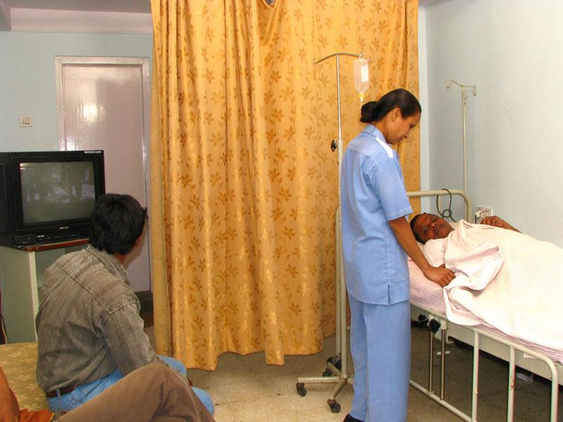 Joint Replacement Surgeon in Nashik   Eye specialist in Nashik